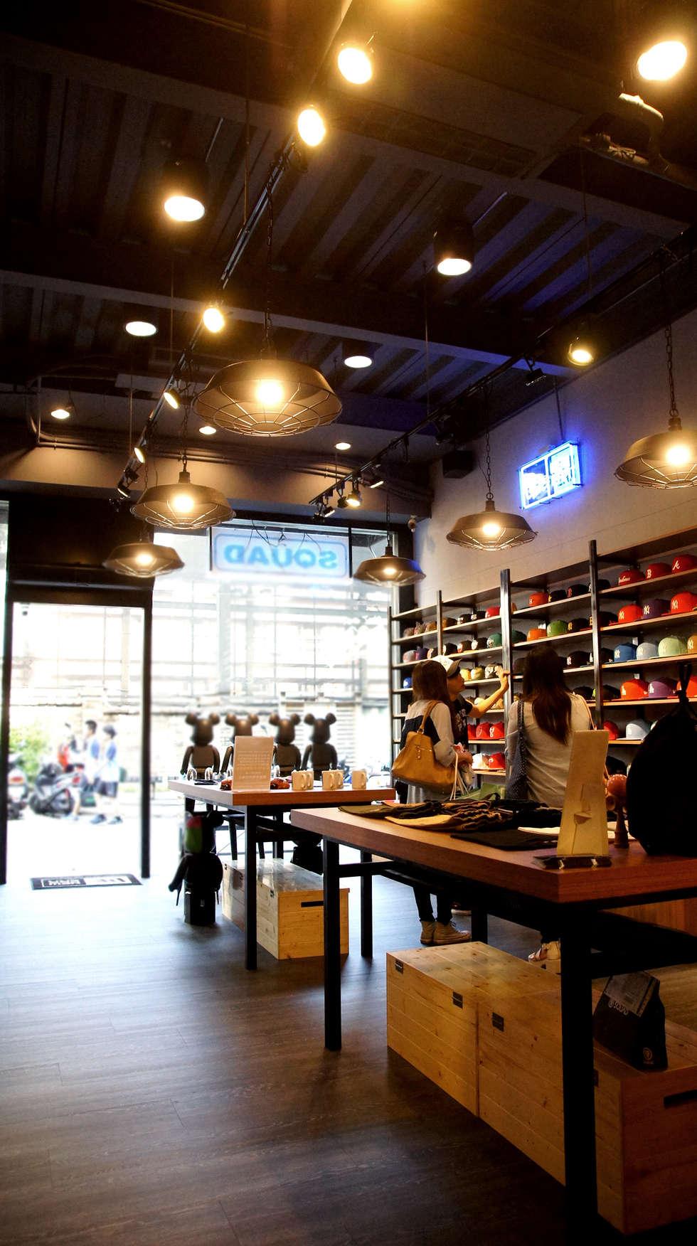 工業風服飾店 - 台中一中街:  辦公室&店面 by 光島室內設計