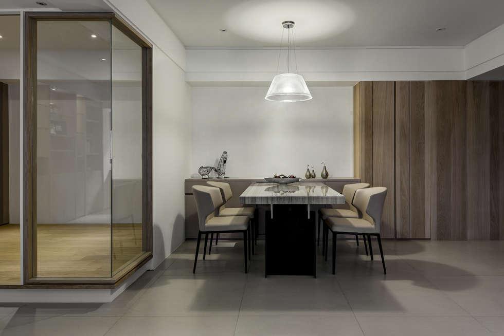 與陽光的約會:  餐廳 by 大荷室內裝修設計工程有限公司