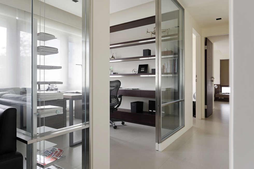 無印設計宅:  書房/辦公室 by 大荷室內裝修設計工程有限公司