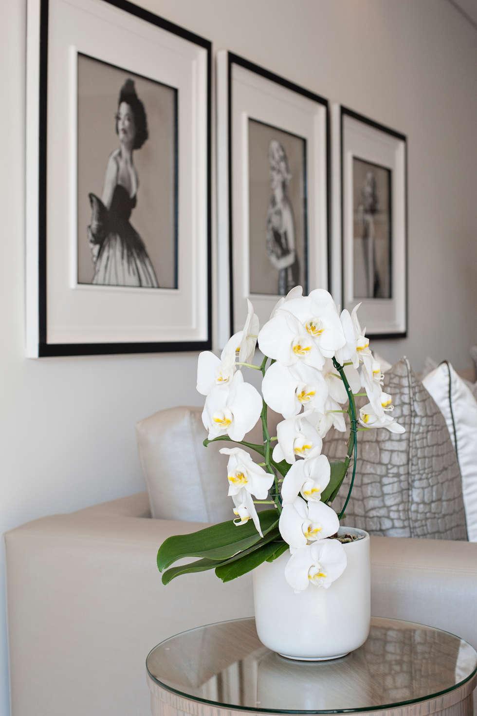 Living Room: modern Living room by Tru Interiors