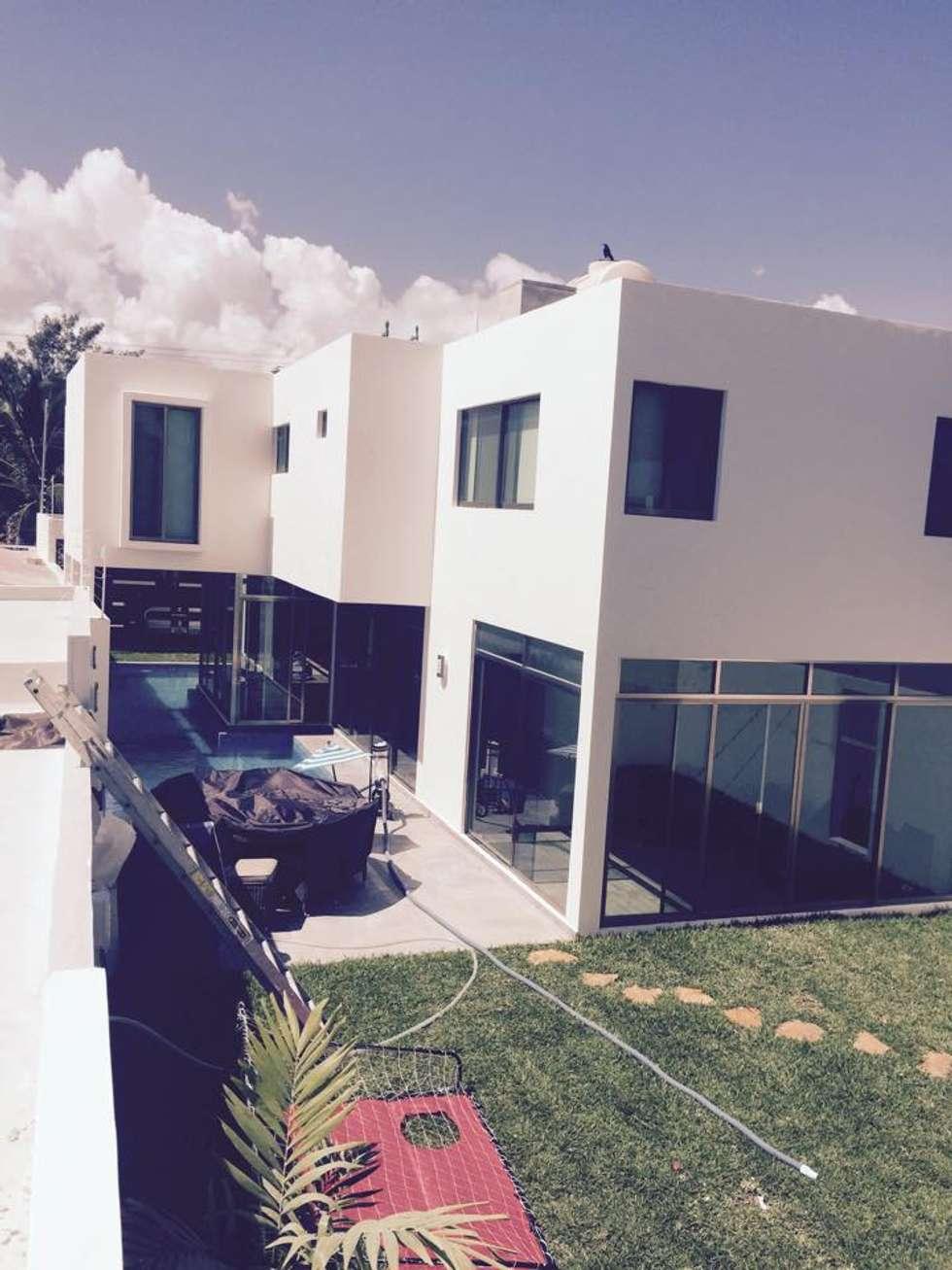 PATIO: Casas de estilo ecléctico por CA ARQUITECTURA