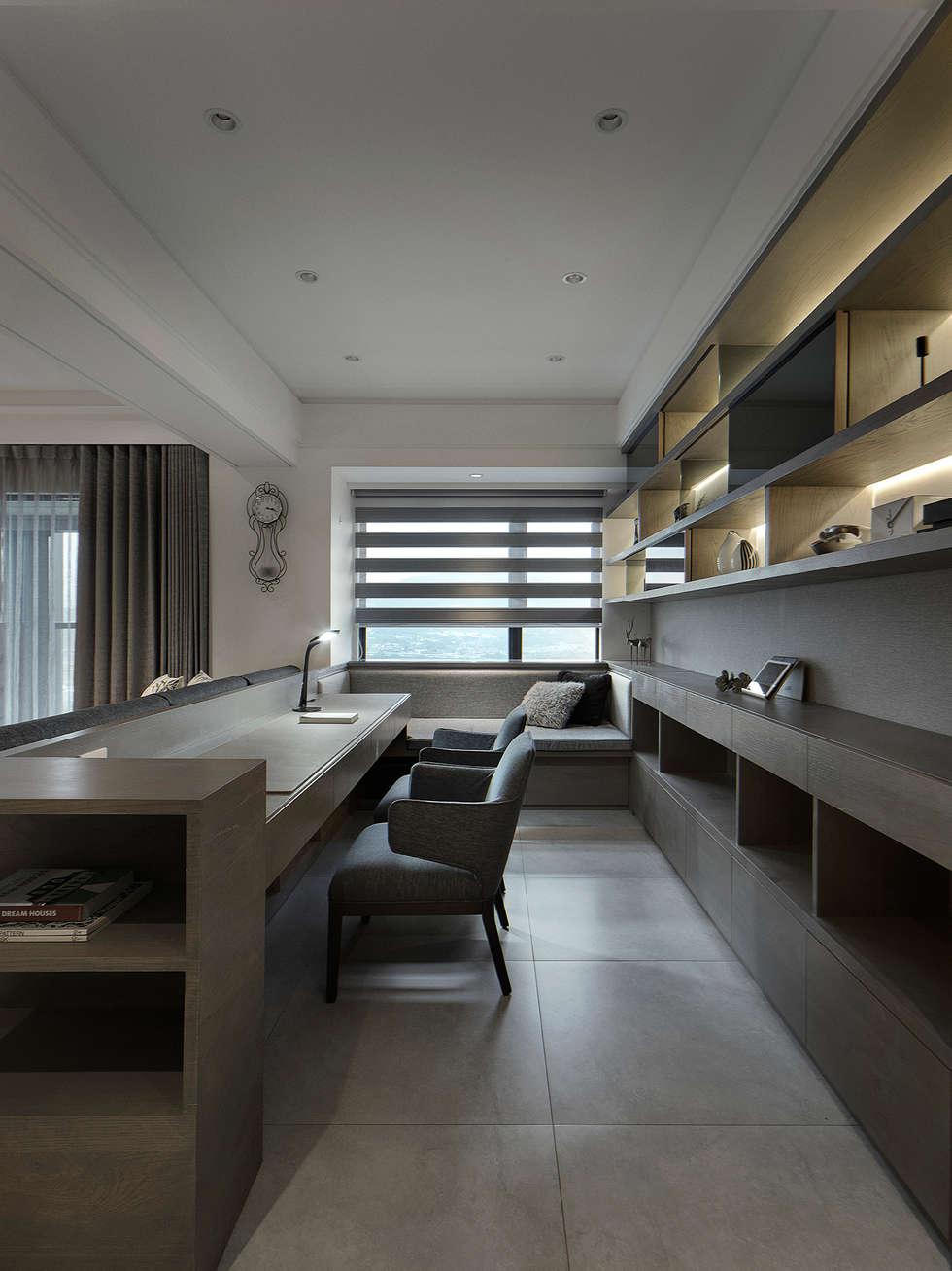 關於家的體感溫度:  書房/辦公室 by 大荷室內裝修設計工程有限公司