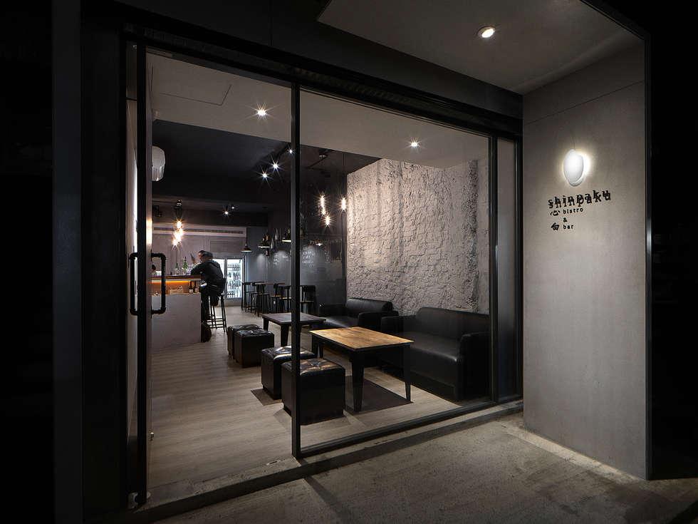 飲。癮:  走廊 & 玄關 by 大荷室內裝修設計工程有限公司
