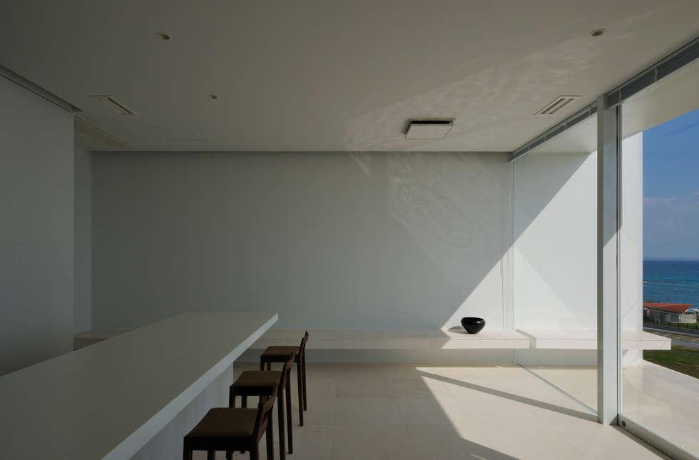 FRSW-HOUSE: 門一級建築士事務所が手掛けたリビングです。