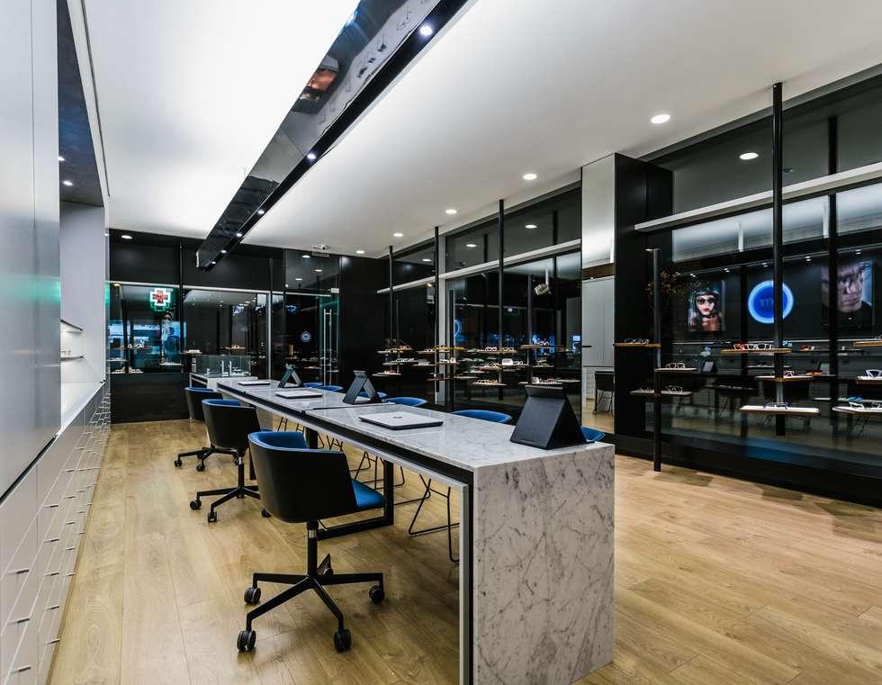 10: Lojas e espaços comerciais  por XYZ Arquitectos Associados
