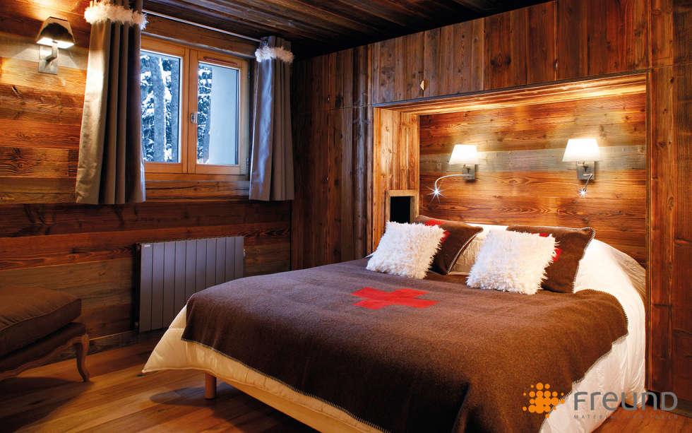 Altholz Wandverkleidung: Moderne Schlafzimmer Von Freund GmbH
