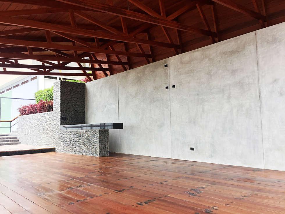 Remodelación del Comedor Segundo Nivel: Bares y Clubs de estilo  por 2.8 I NIKOLAS BRICEÑO arquitecto