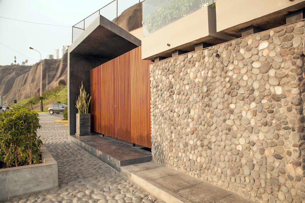 Remodelación Ingreso Principal al Club: Bares y Clubs de estilo  por 2.8 I NIKOLAS BRICEÑO arquitecto