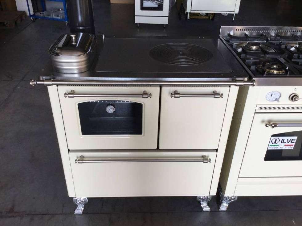 cucina n. 5 tradizionale e gas ILVE da 90 x 60 di ZADRA GIANNI | homify