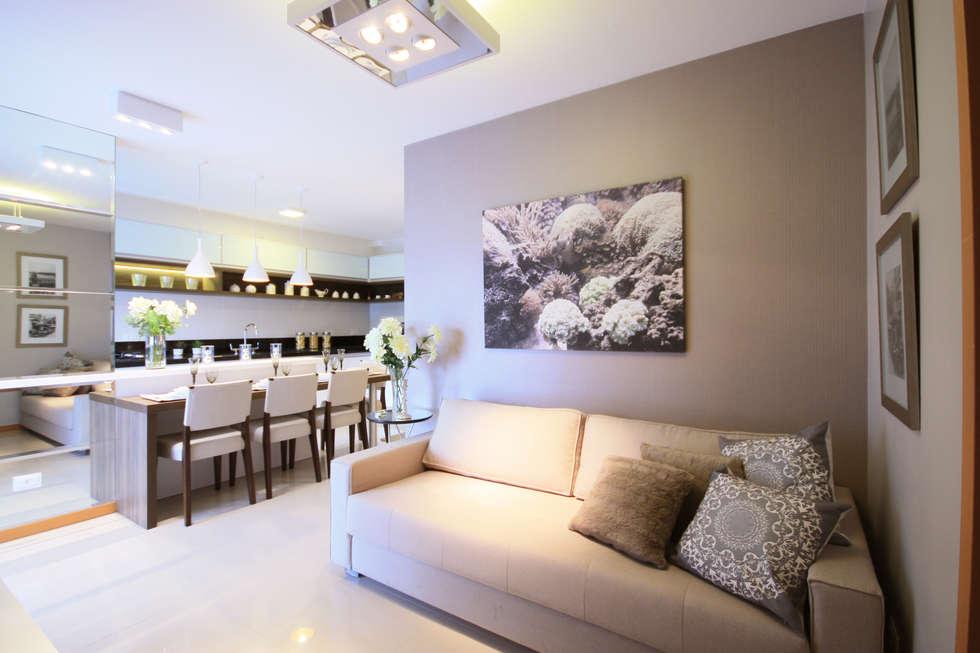 Salones de estilo moderno de Arqbox
