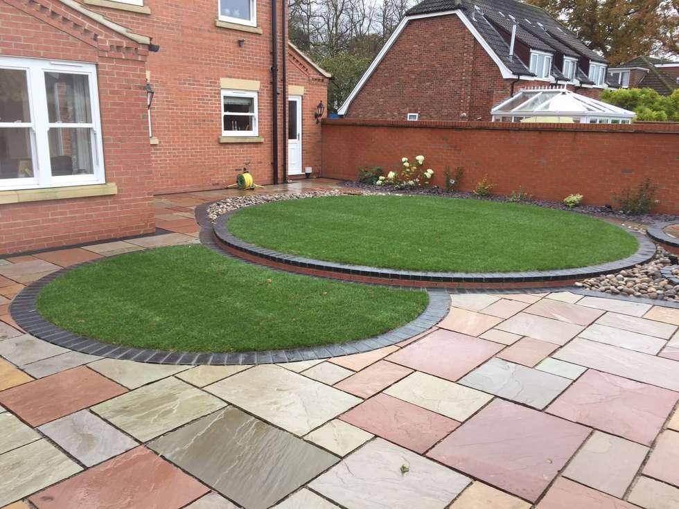Idee arredamento casa interior design homify for Low maintenance planting schemes
