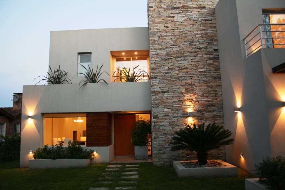 Casa en country c u b a fatima pcia de buenos aires for Casa de arquitecto moderno