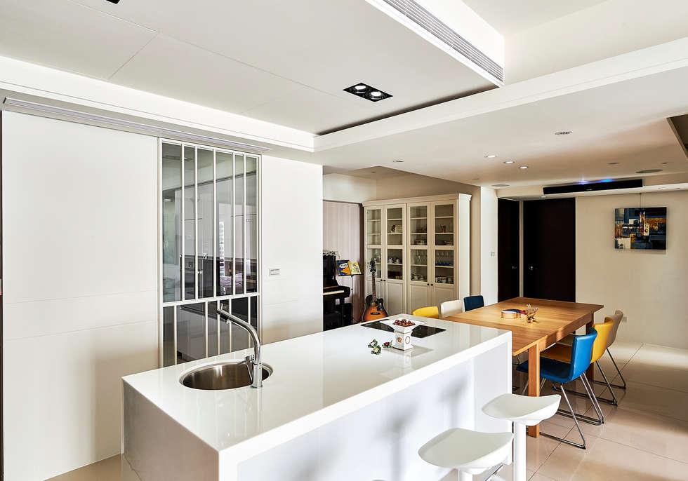 鋼琴區日後可各成獨立房間:  餐廳 by 青瓷設計工程有限公司