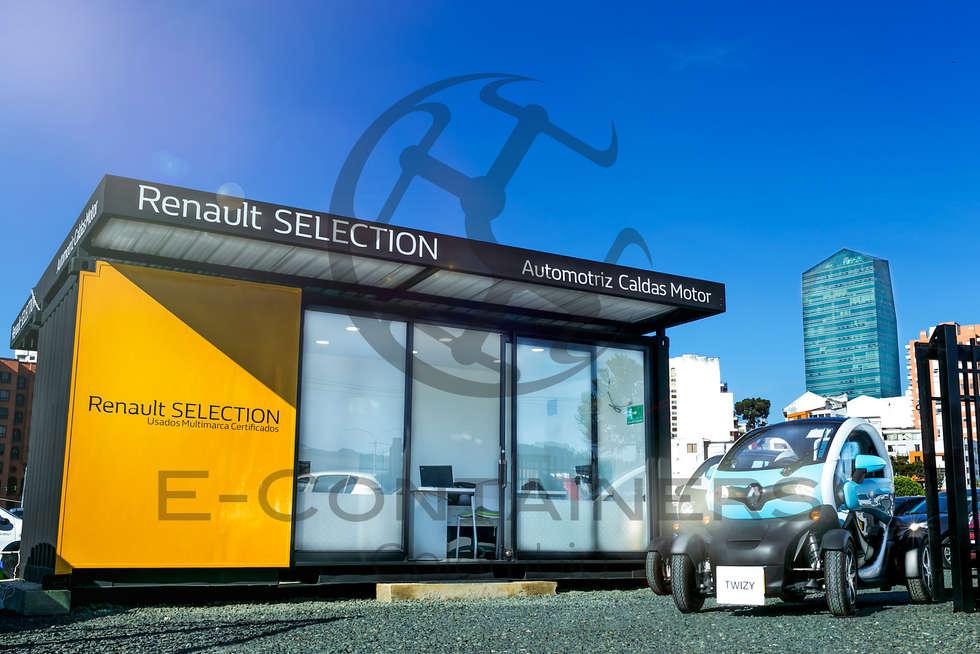 Sala de venta Renault: Salas de estilo moderno por E-Containers Colombia