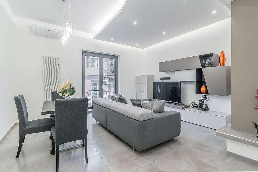 Soggiorno soggiorno in stile in stile moderno di facile - Idee arredamento soggiorno moderno ...
