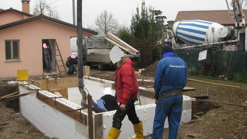 Idee arredamento casa interior design homify for Casseri in polistirolo per piscine