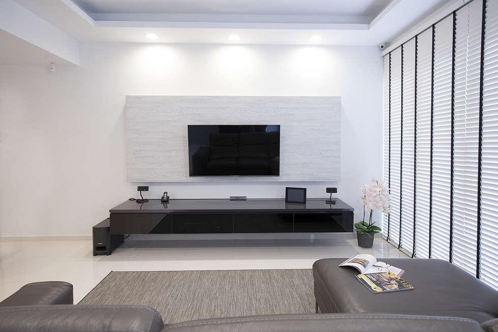 soo chow graden: modern Living room by Renozone Interior design house