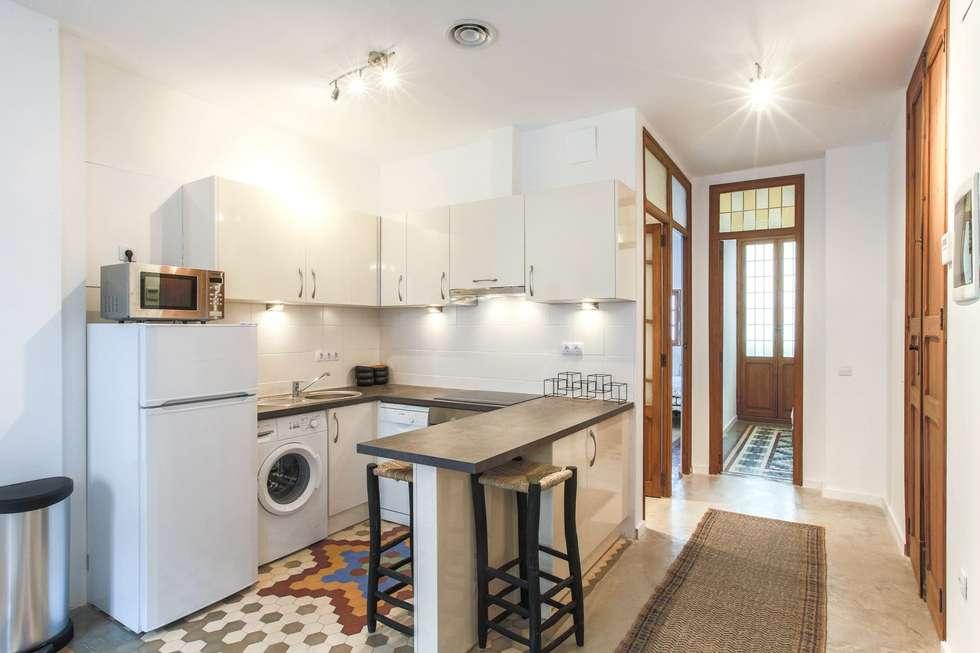Reforma interior de vivienda piso: Cocinas de estilo moderno de Rimolo & Grosso, arquitectos