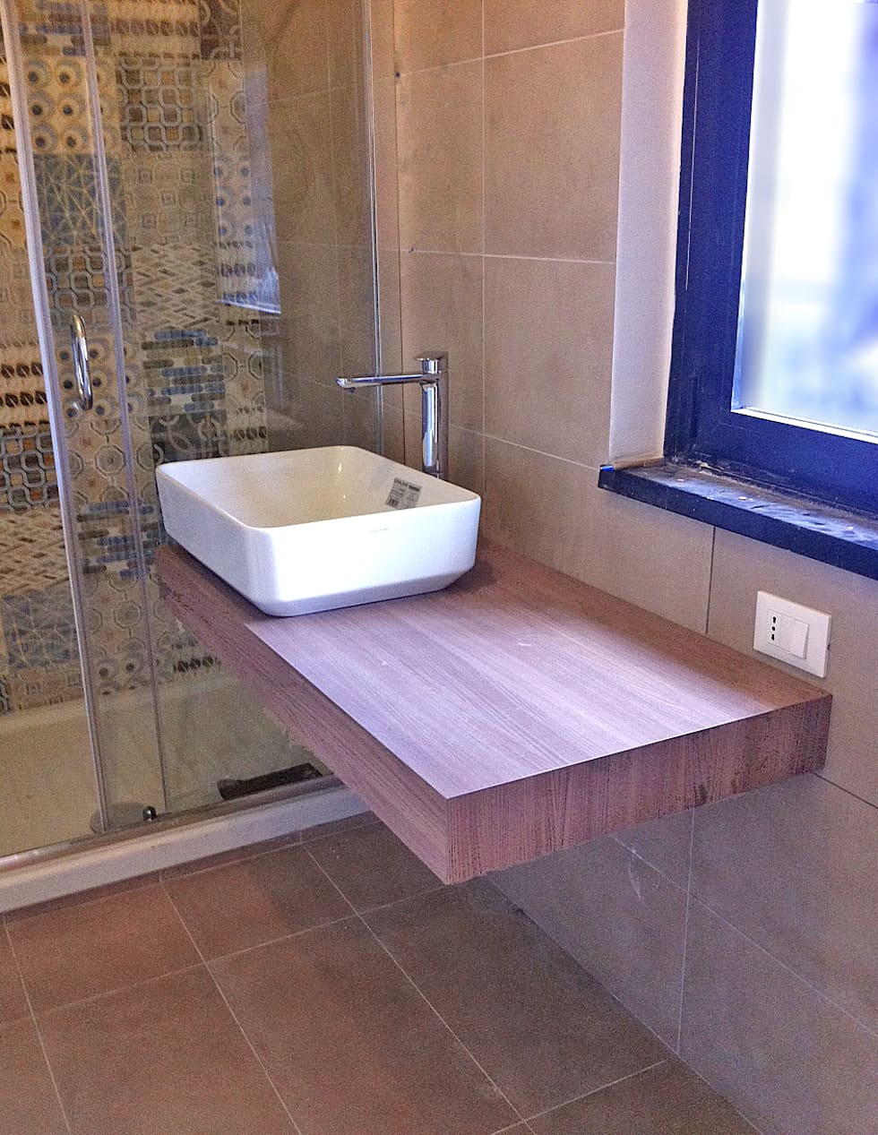 Zona lavabo: Bagno in stile in stile Moderno di Architetto Roberta Rinaldi