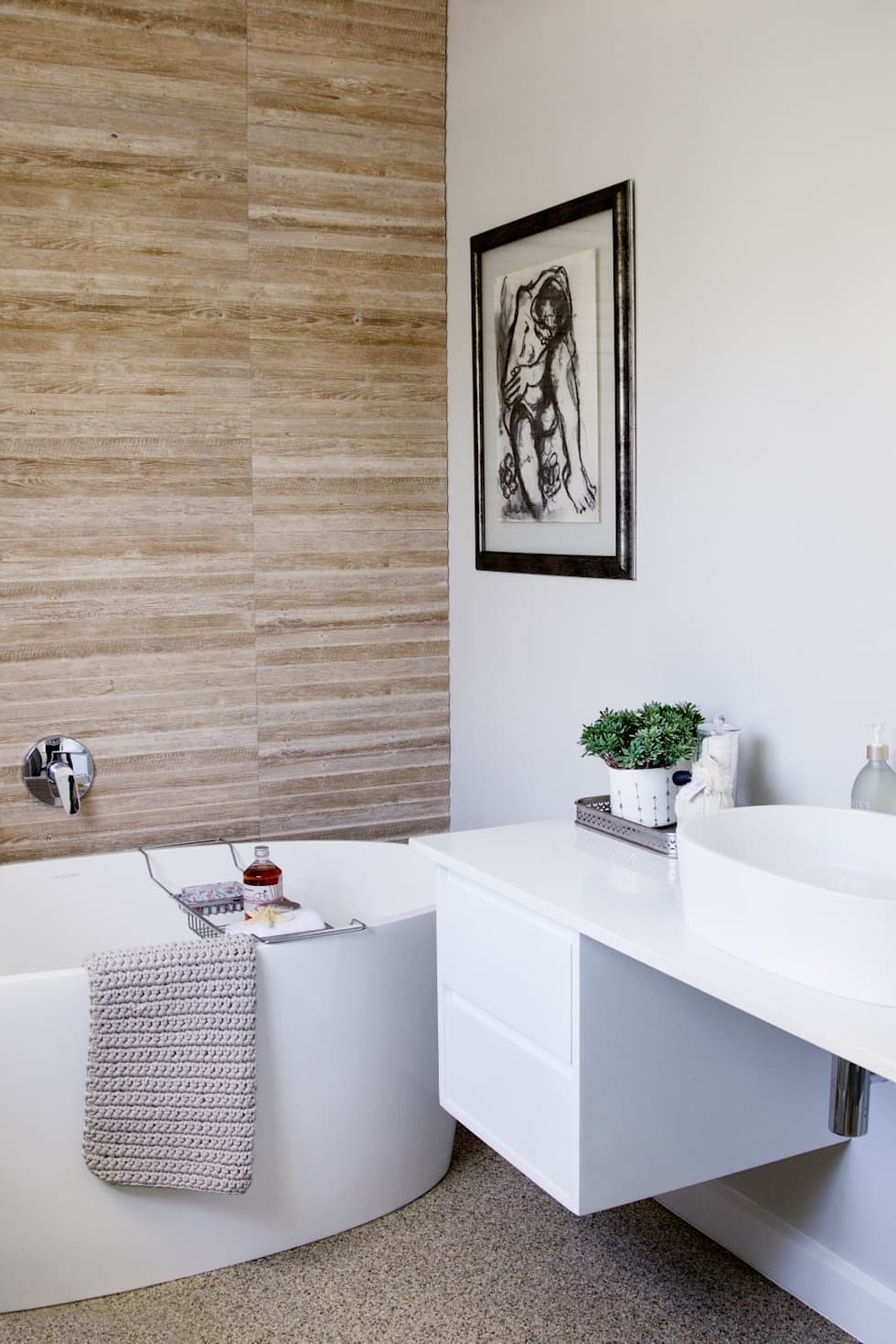 Guest bedroom 1 en-suite: modern Bathroom by Salomé Knijnenburg Interiors