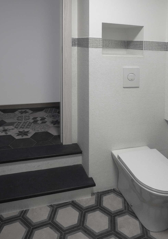 GRADINI DI ARDERSIA : Bagno in stile in stile Eclettico di Luigi Brenna Architetto