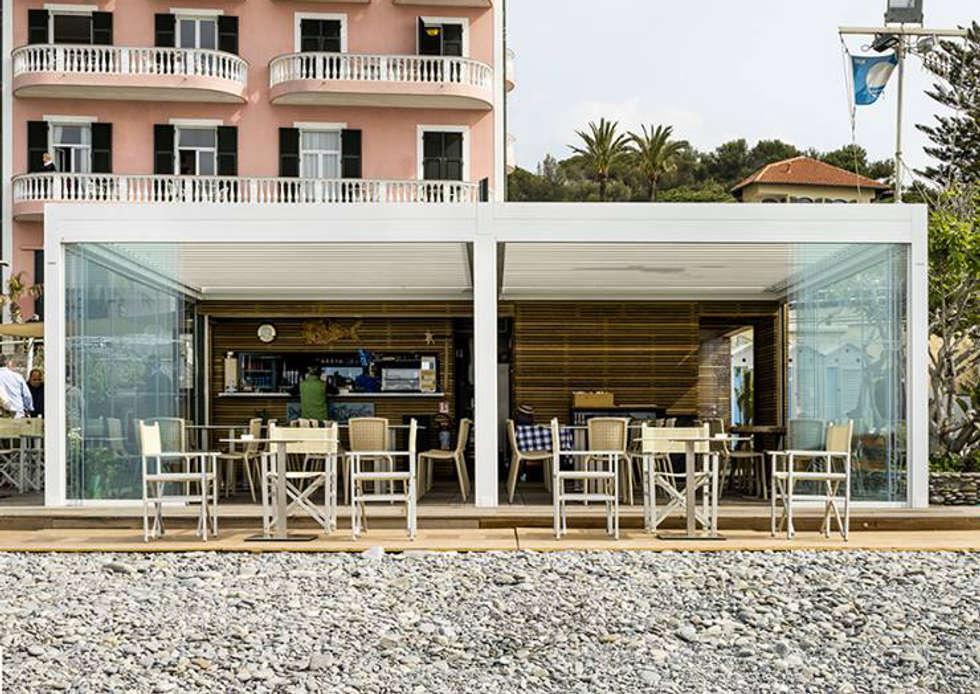 stabilimento balneare: Case in stile in stile Moderno di Fabrizio Alborno Studio di Architettura ALBORNO\GRILZ