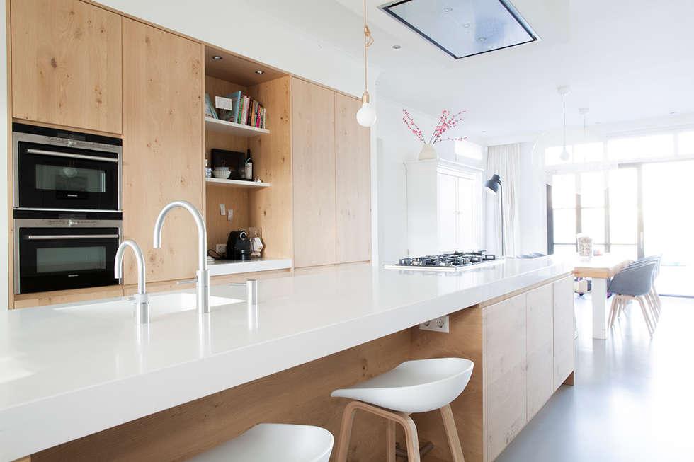 Foto's van een landelijke keuken: keuken eiken hout gecombineerd ...