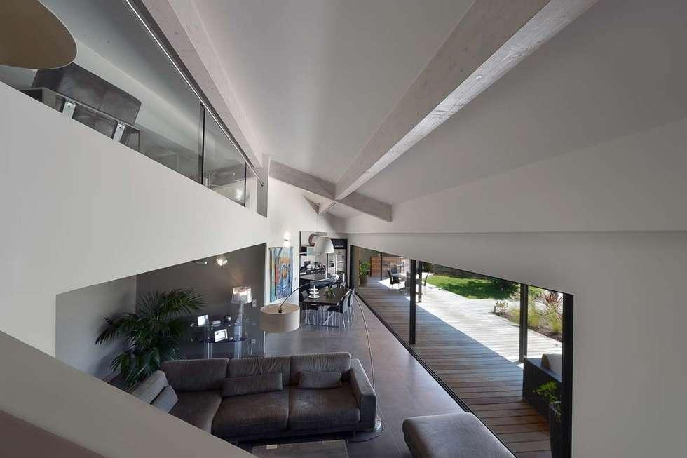salas de estar por atelier jean gouzy homify. Black Bedroom Furniture Sets. Home Design Ideas