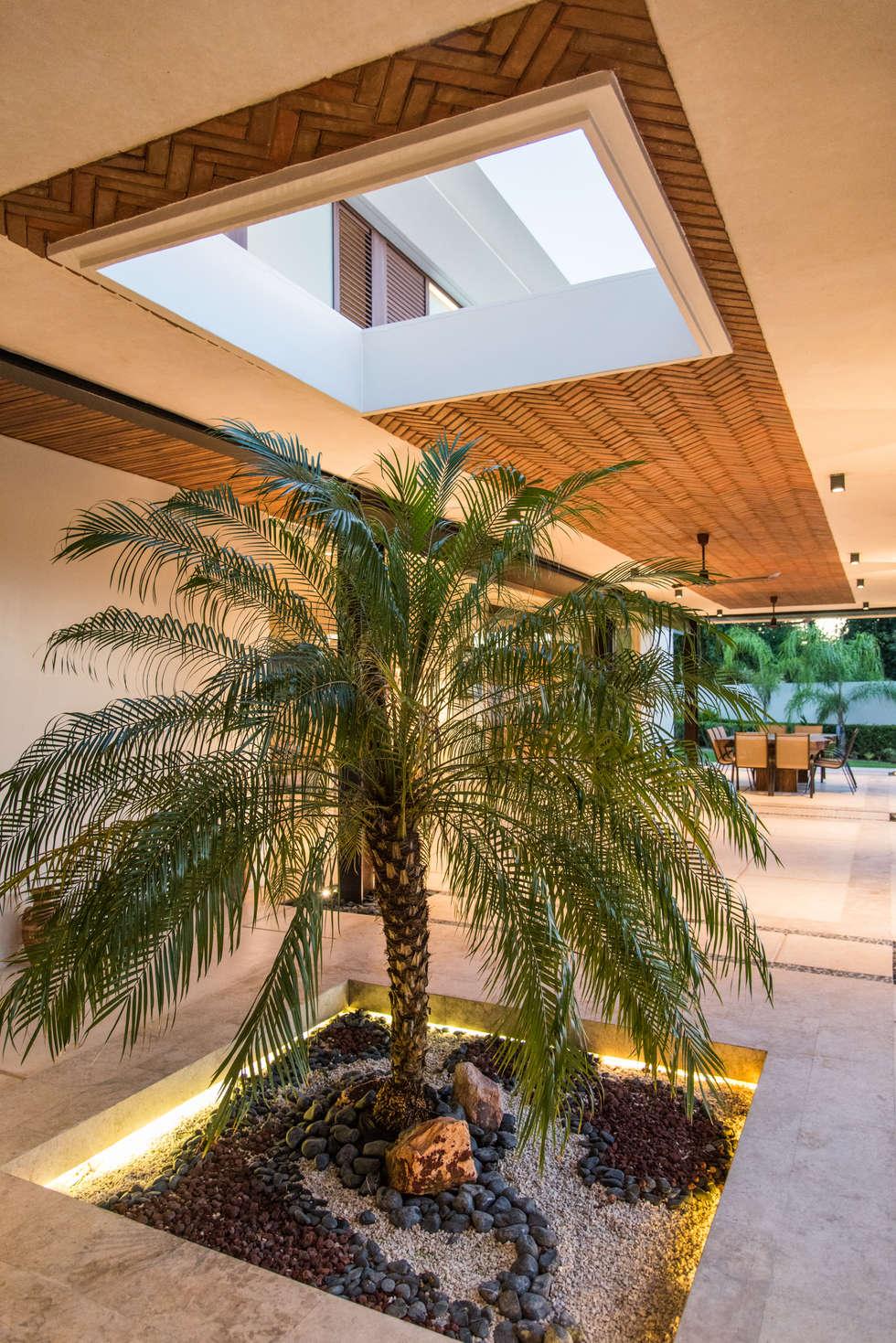 TERRAZA: Terrazas de estilo  por AMEC ARQUITECTURA