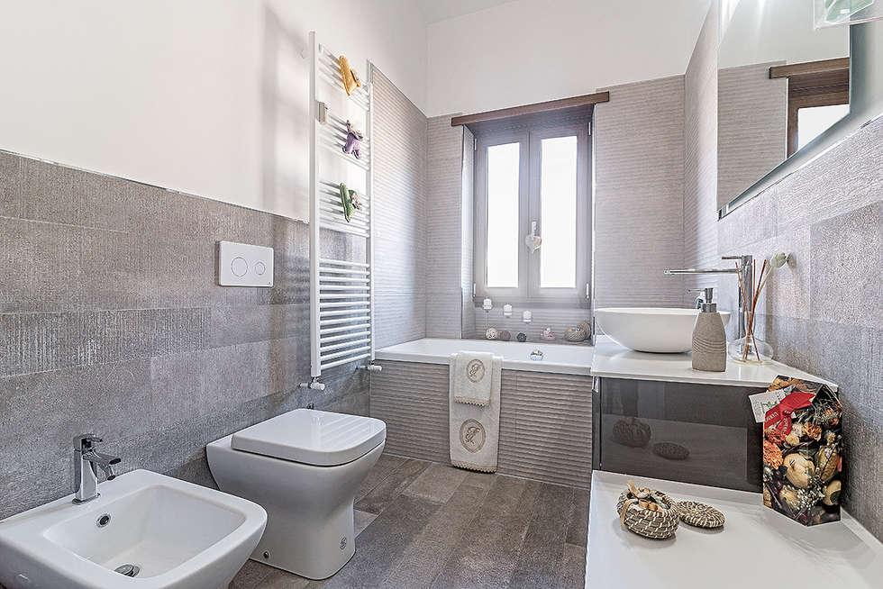 Bagno bagno in stile in stile moderno di facile ristrutturare homify - Ristrutturare bagno idee ...