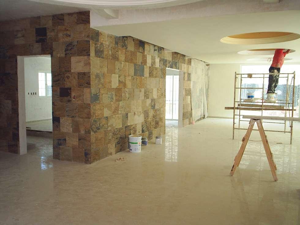 CASA F8 : Comedores de estilo colonial por SG Huerta Arquitecto Cancun