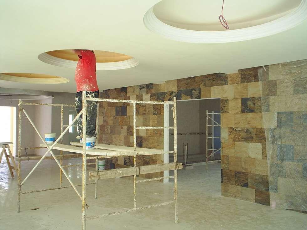CAASA F8: Salas de estilo clásico por SG Huerta Arquitecto Cancun
