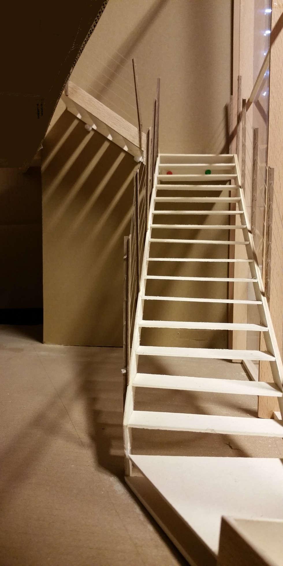 Evapco Europe: Ingresso & Corridoio in stile  di IAR Design di Romeo Alessandro