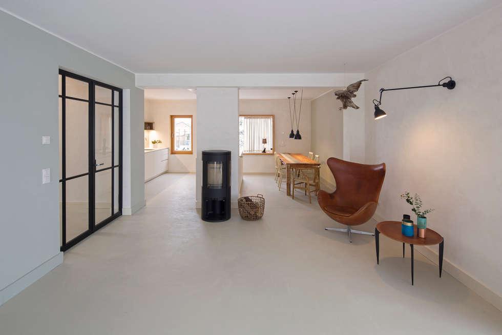 Leseecke Und Essbereich Mit Küche: Moderne Esszimmer Von CARLO Berlin    Architektur U0026 Interior Design