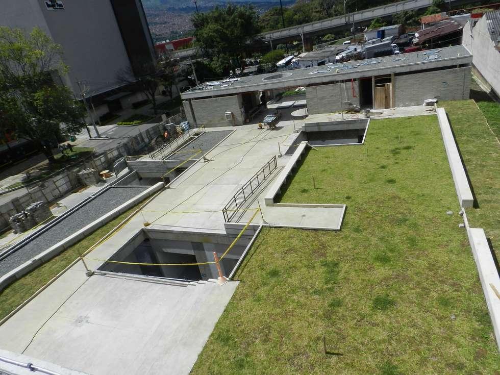 Clinica de la mujer: Casas de estilo moderno por Veronica Henriques - Arquitectura Sostenible