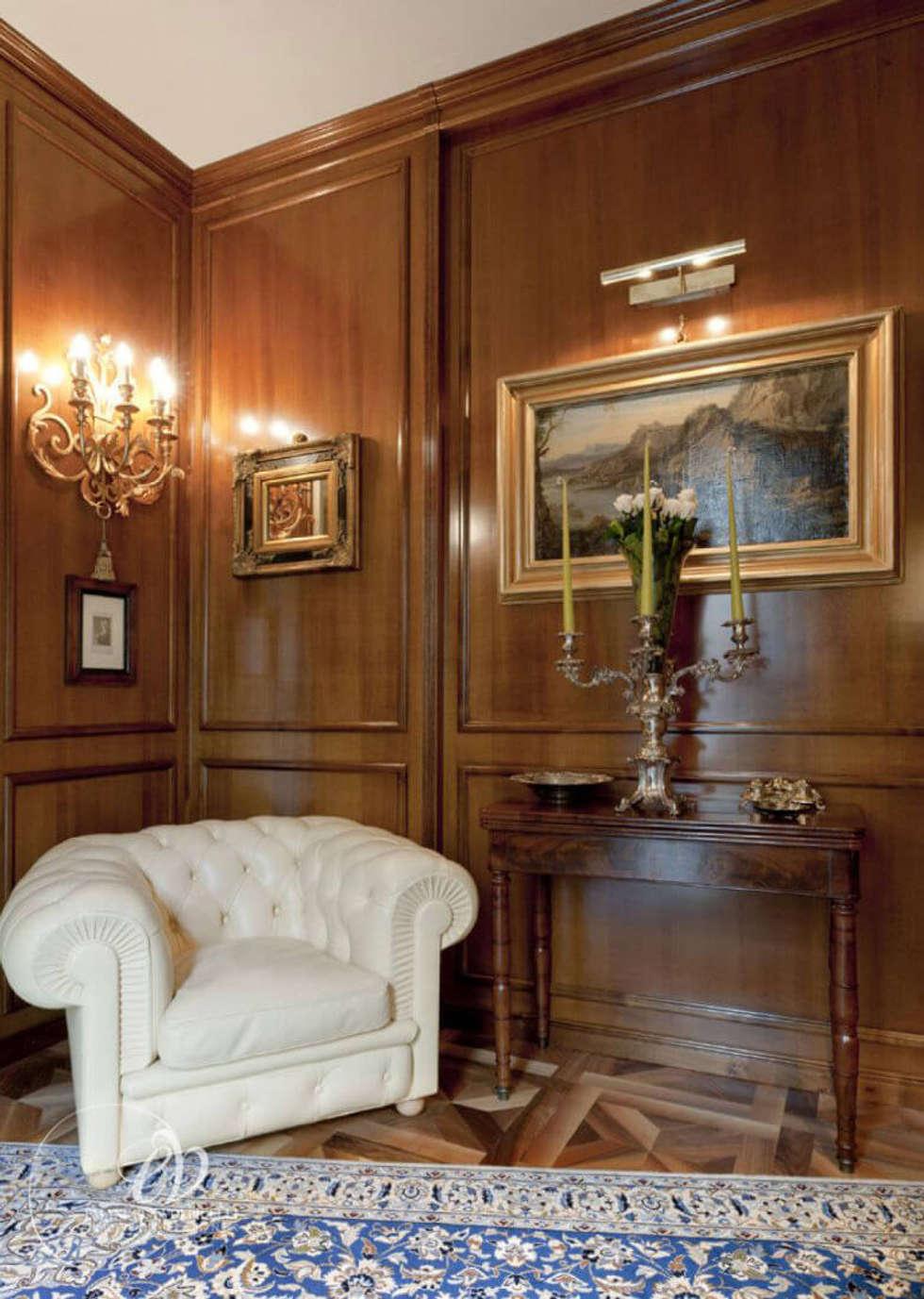 FASCINO SENZA TEMPO: Studio in stile in stile Classico di Emanuela Volpicelli Interior Designer