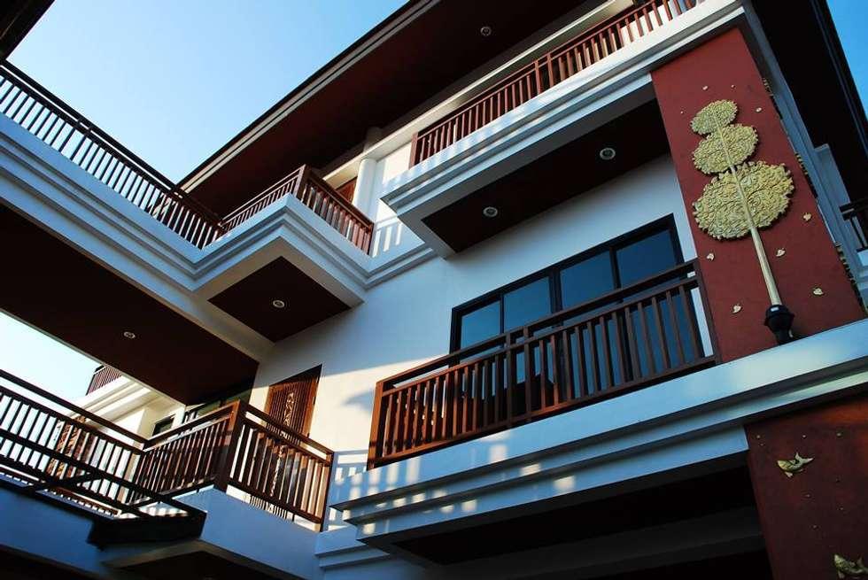 Tropical Style Location :Chanthaburi:  บ้านสำหรับครอบครัว by GRID ARCHITECT THAILAND