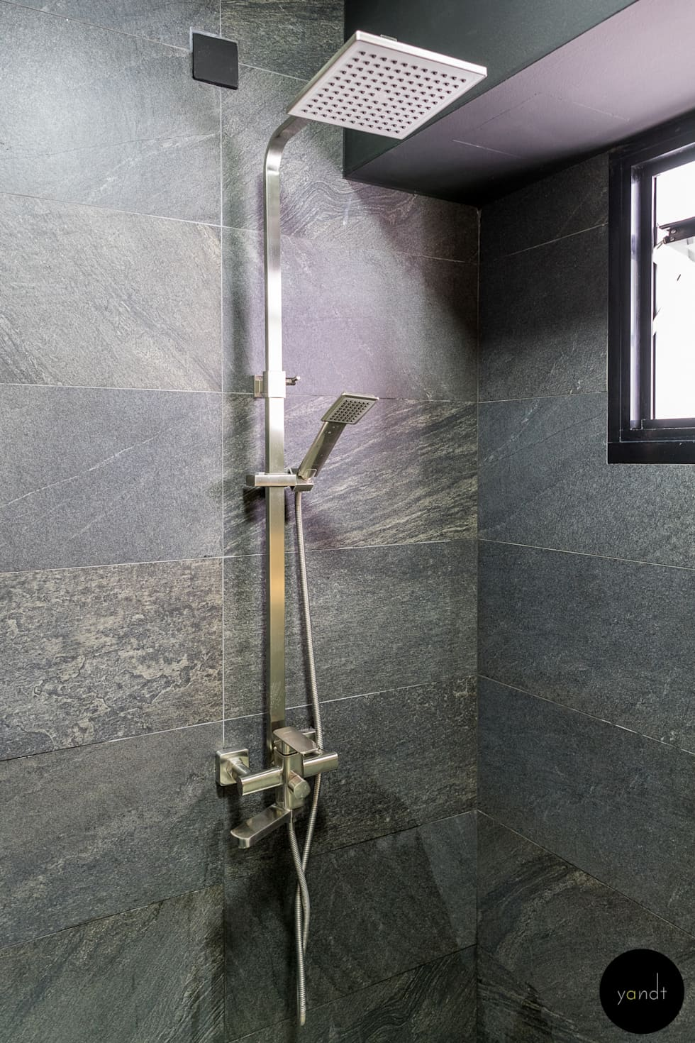 Shower Area: asian Bathroom by Y&T Pte Ltd