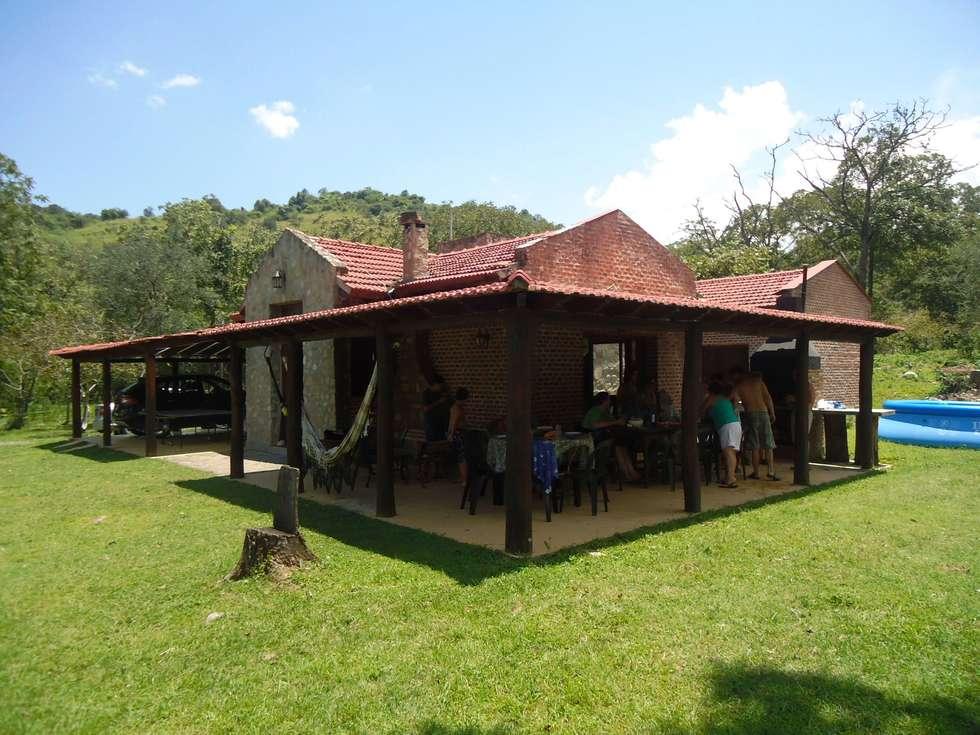 Casco de Finca en La Caldera: Casas de estilo rural por Valy