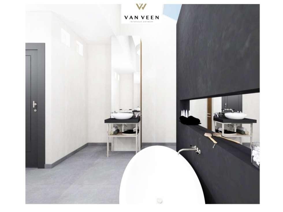 Luxe Badkamer Interieur : Ruime luxe badkamer: moderne badkamer door van veen interior design