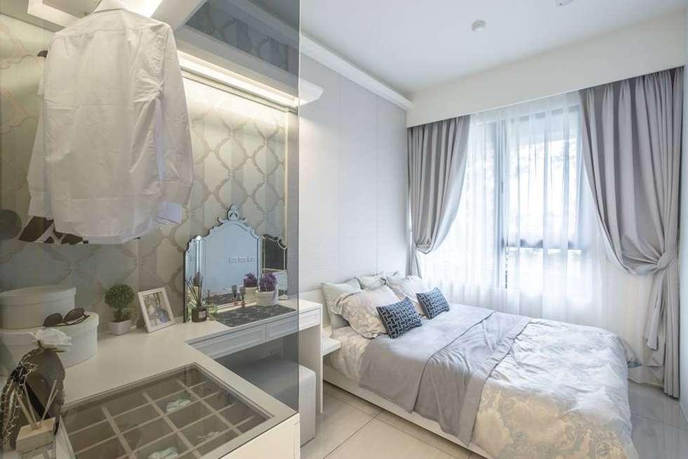 透明櫃面:  臥室 by 你你空間設計