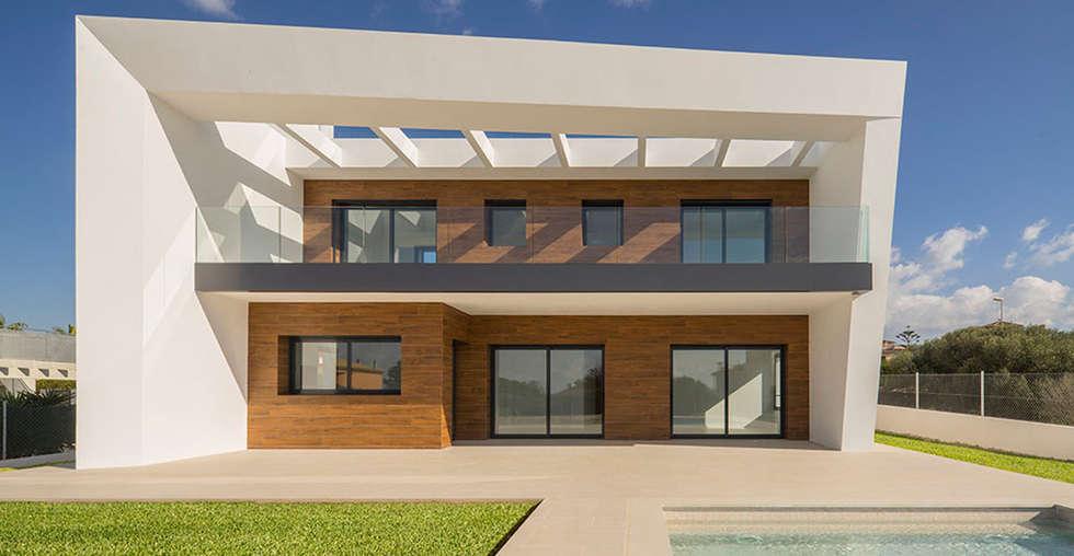 Rumah by JAIME SALVÁ, Arquitectura & Interiorismo