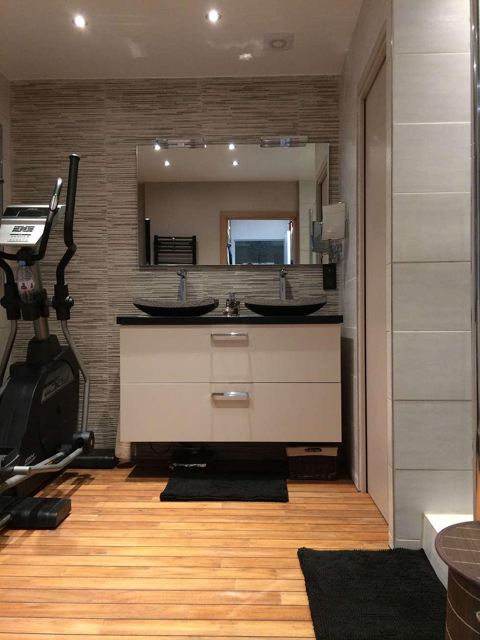 Appartement Le Chesnay: Salle de bains de style  par Nuance d'intérieur