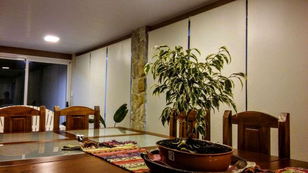 Interior: Livings de estilo moderno por JIEarq