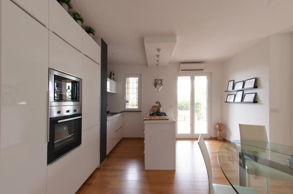 : Cucina in stile in stile Moderno di NOS Design