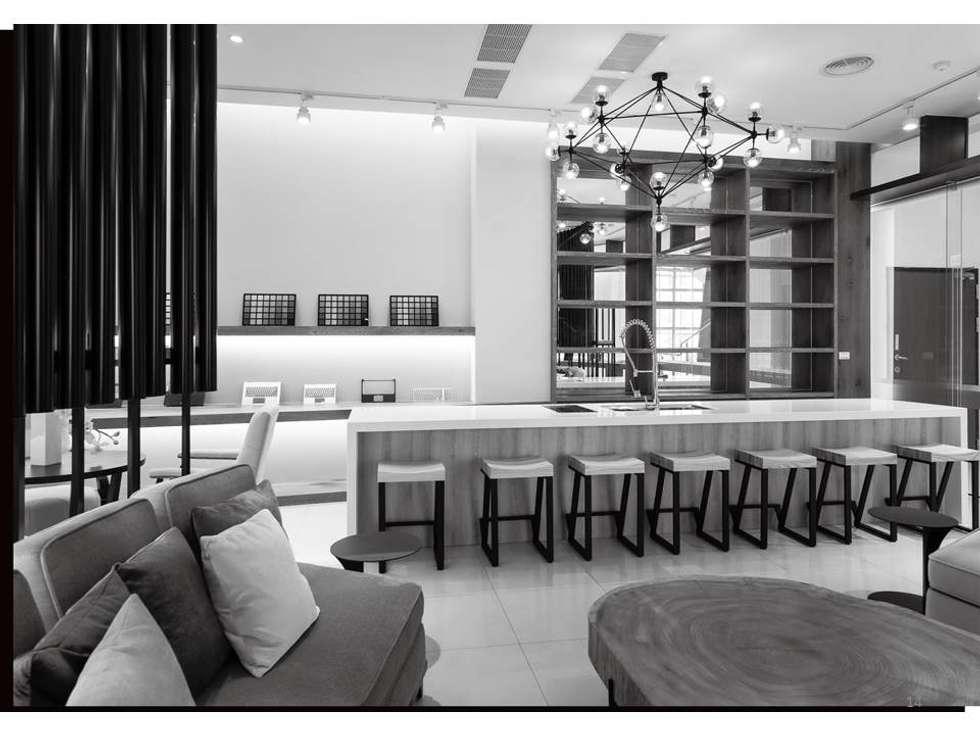 大道恆美 The Virtuous Way is Forever Beautifu l- 京悅設計:  飯店 by 京悅室內裝修設計工程(有)公司|真水空間建築設計居研所