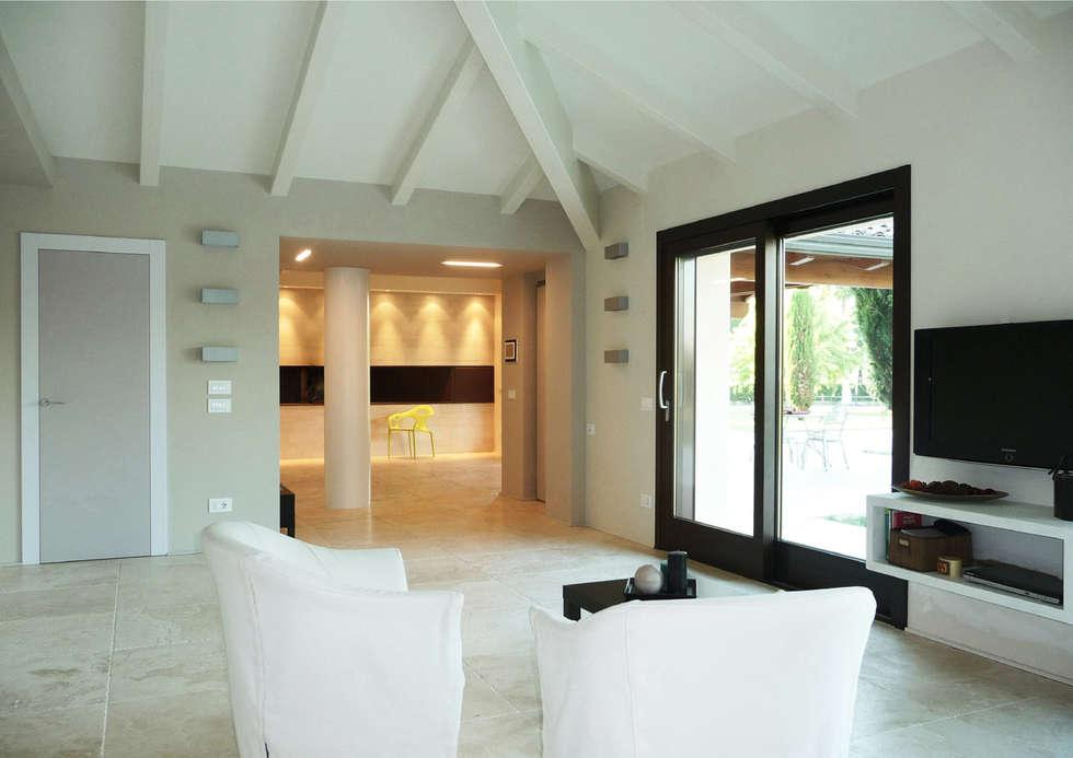 Idee arredamento casa interior design homify for Lacost case in legno