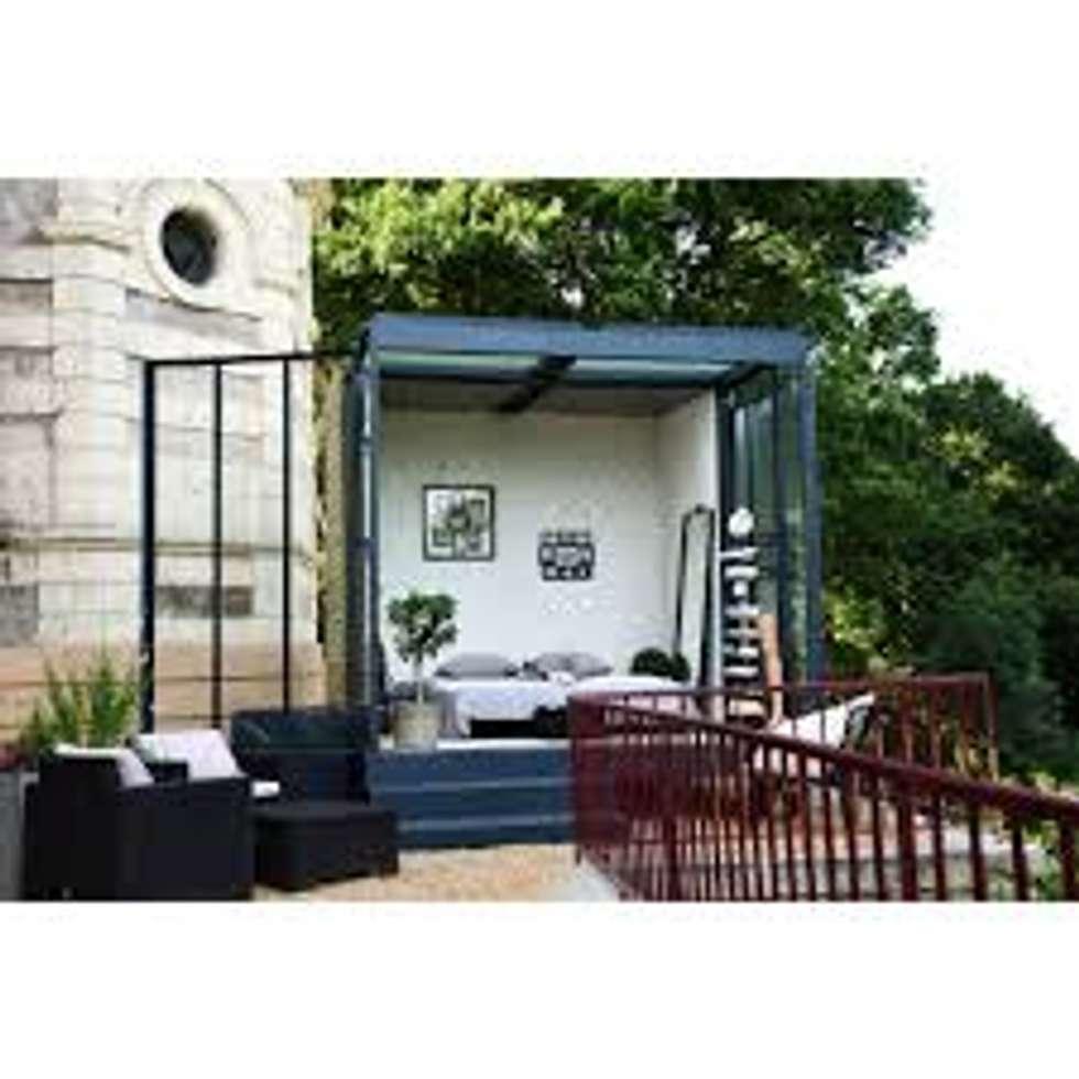 Un CUBE dans mon jardin : Chambre d'enfant de style de style Moderne par Tabary Le Lay
