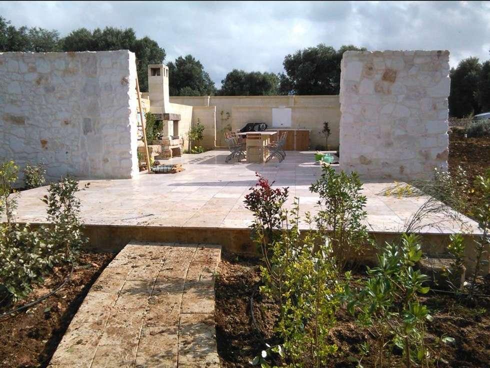 Garden design LIMONAIA : Giardino in stile In stile Country di  landscapeabc studio garden design