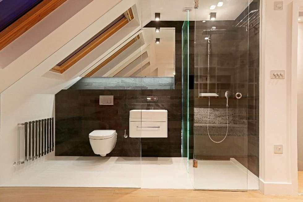 modern Bathroom by APT Renovation Ltd